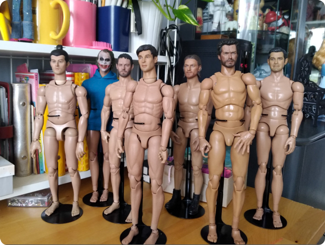 Action figures: 7 naked men