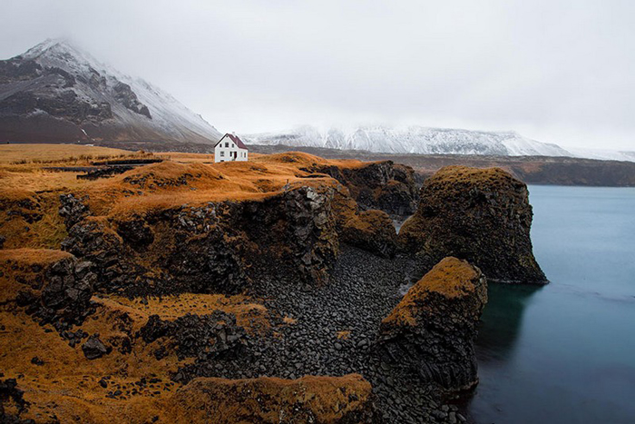 Secluded home 01
