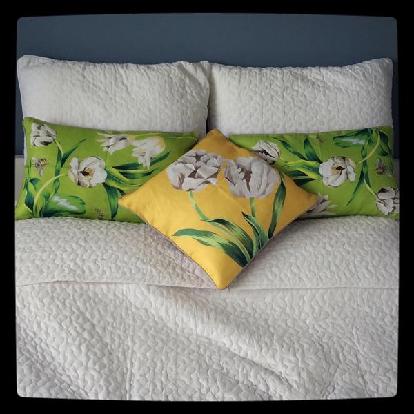 Цветочные подушки
